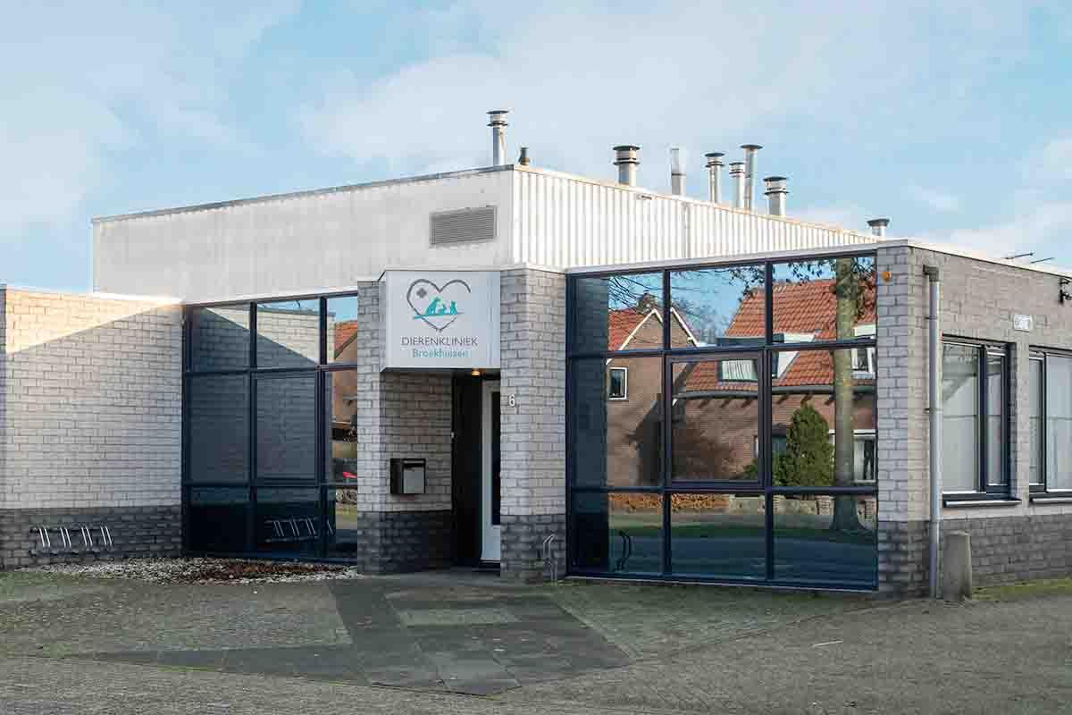 Contact Dierenkliniek Broekhuizen Oosterhout Meidoornlaan 6